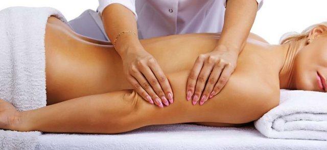 Руки опытного массажиста могут поднять на ноги практически любого больного с грыжей грудного отдела позвоночника