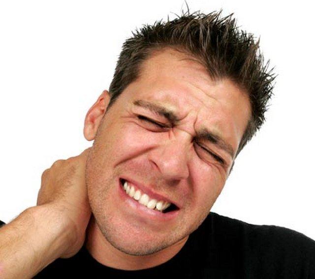 От боли в шейном отделе избавиться вполне возможно при выполнении всех наставлений врача