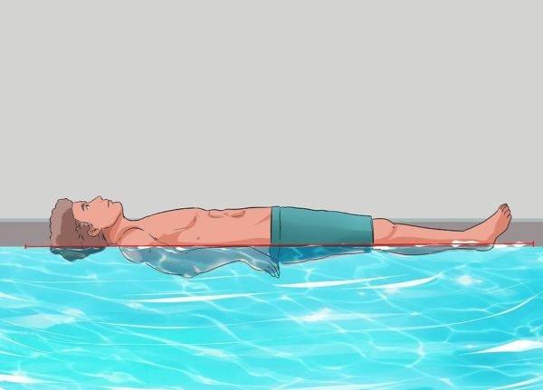 Держите ваше тело на уровне воды