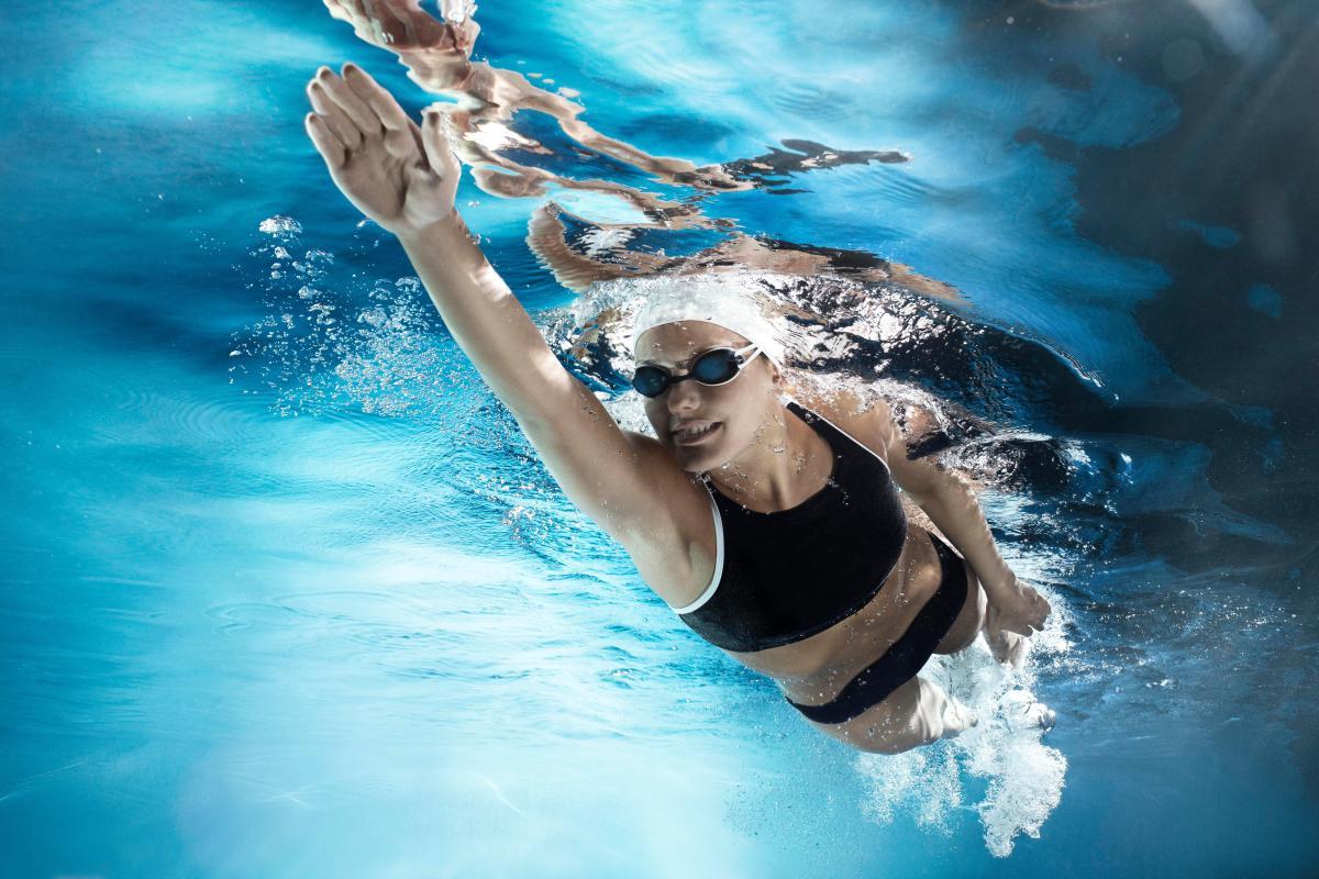 Плавание помогает в лечении сколиоза