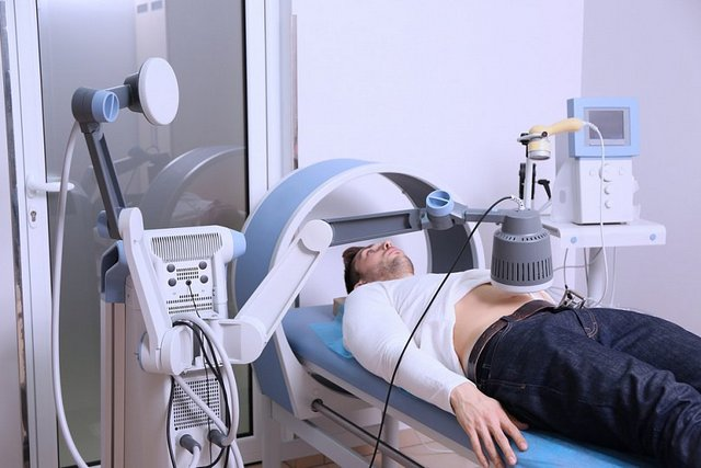 Магнитотерапия – эффективный метод борьбы с болями и отеками в воспаленном месте позвоночника