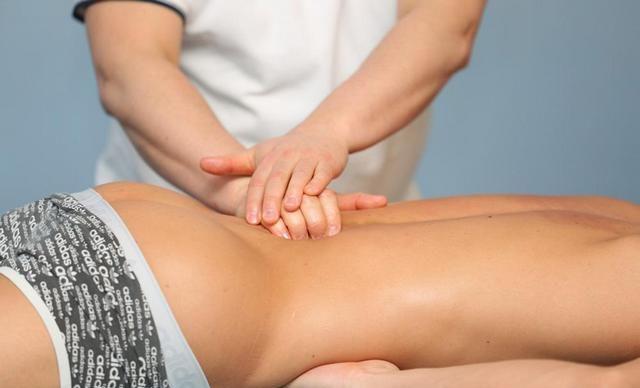 Массаж и мануальная терапия могут поставить на ноги больного с защемлением нерва буквально за несколько дней