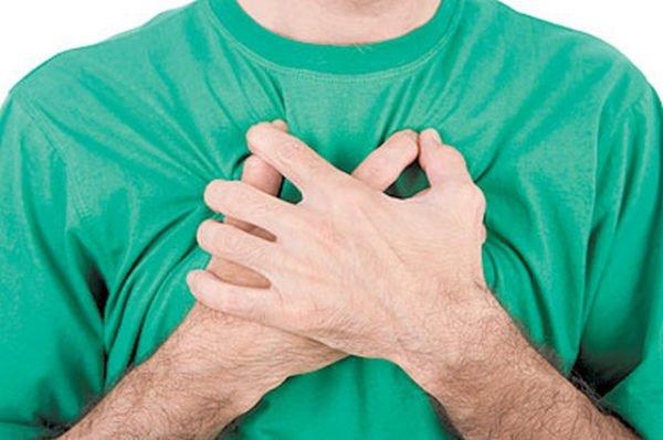 Симптомы хондроза в грудном отделе можно легко спутать с симптомами других болезней