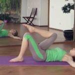 Упражнения для смещения позвоночника
