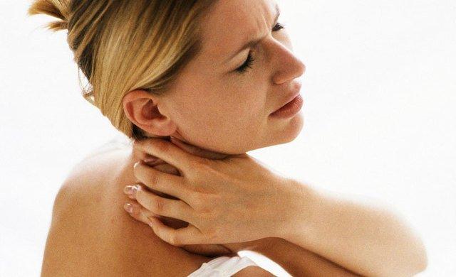 Как избавиться от горба на шее