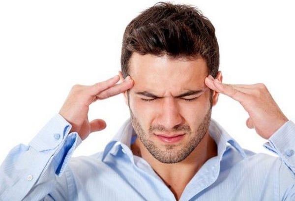Если человек испытывает постоянный стресс и напряжение, вполне вероятно, что вскоре у него возникнет хондроз в грудном отделе