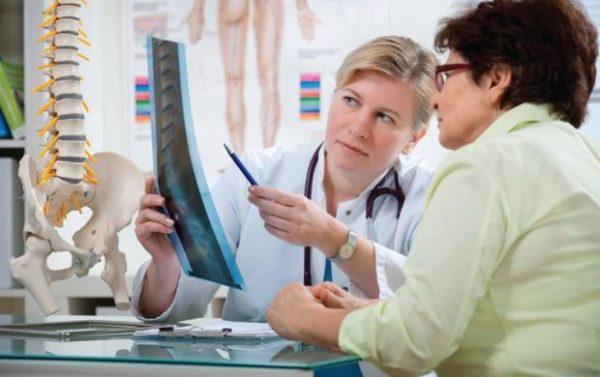 Часто люди со сколиозом слишком затягивают с визитом к врачу