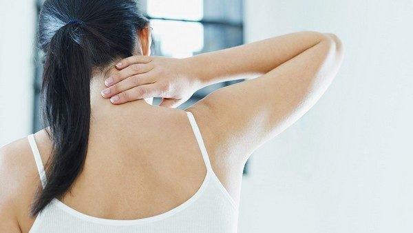Эксперты считают, что основная причина проблемы – это развитие остеохондроза