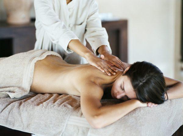 Лечебный массаж отличается от массажа для расслабления