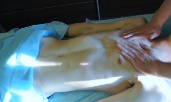 Массирование грудной клетки