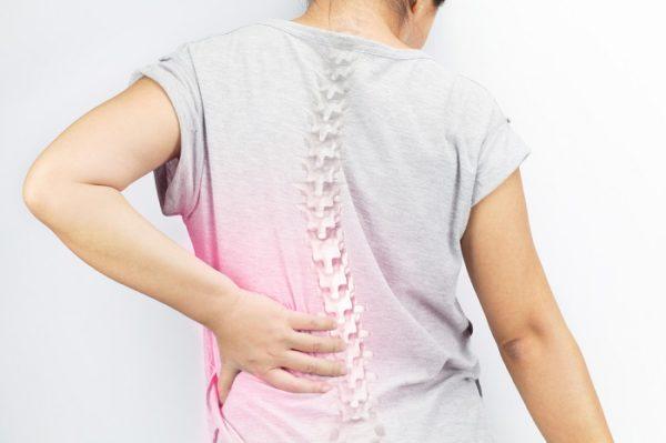 Пациенты часто жалуются на боли в спине и быструю утомляемость