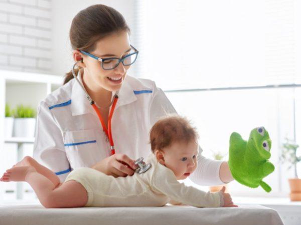 Ребенка необходимо показать врачу
