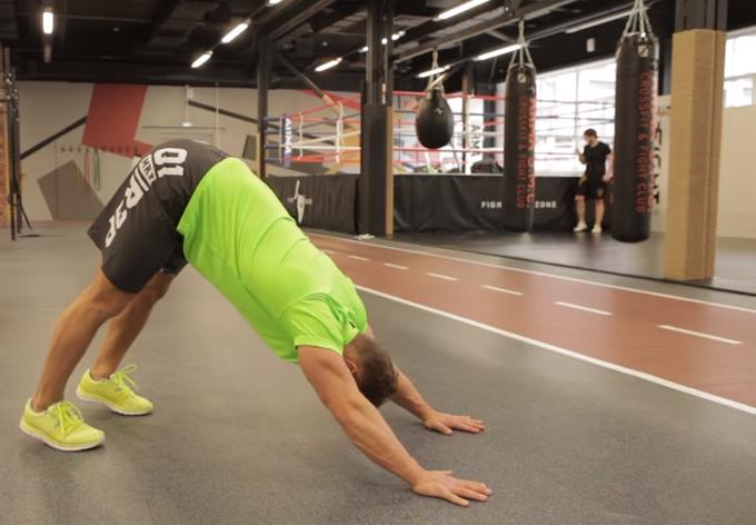 Как правильно растянуть мышцы спины