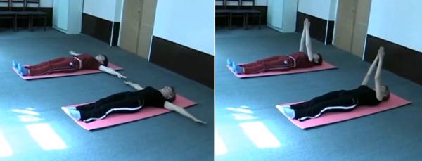 Упражнение лежа на спине, подъем и опускание рук