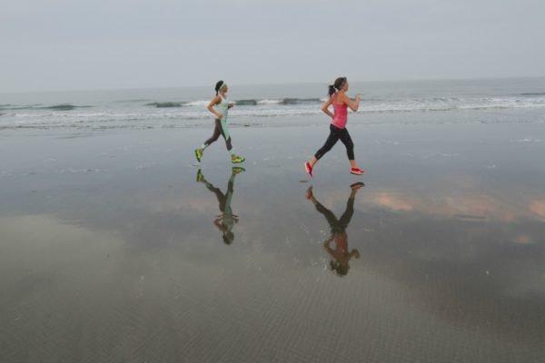 В качестве разминки может выступить бег или спортивная ходьба