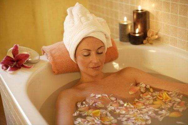 В ванне мышцы расслабляются, улучшается кровообращение