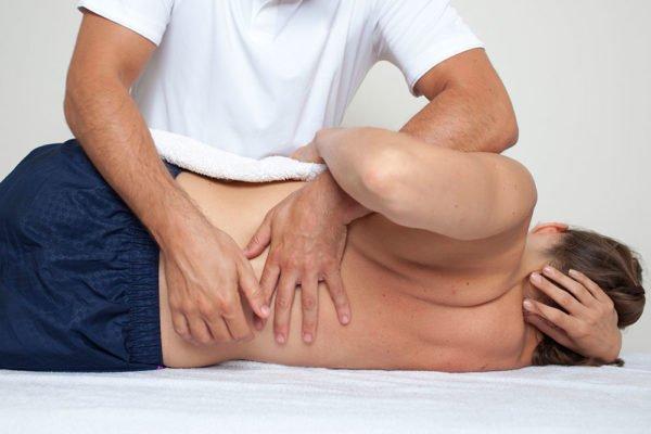 Острый приступ можно снять с помощью мануальной терапии
