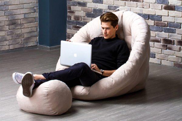 Долго сидеть на мягкой мебели вредно для здоровья