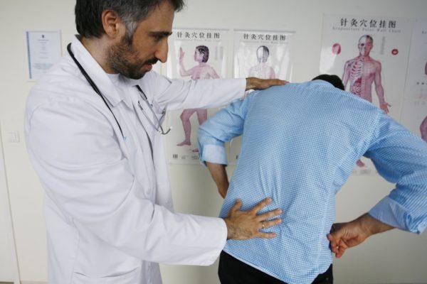 Если боли становятся регулярными, стоит обратиться к врачу