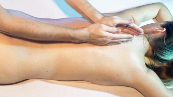 Растирание - это прием массажа, при котором происходит смещение кожи и более глубоких тканей в различных направлениях с образованием кожной складки