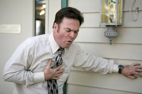 Инфаркт - одна из возможных причин