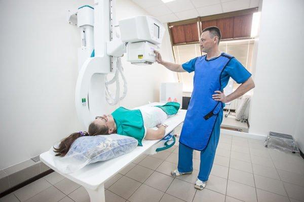 Как делают рентгенологический снимок поясницы