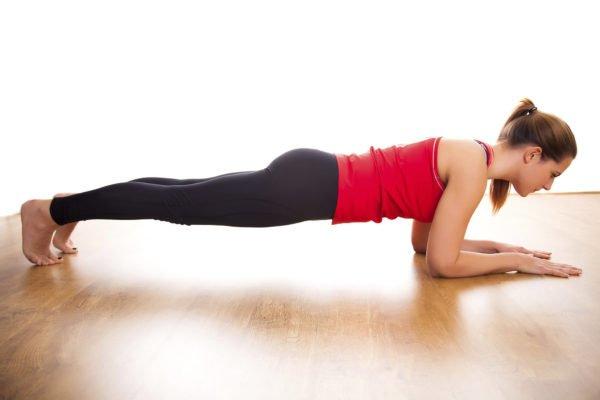 Как выполнять упражнение «планка»