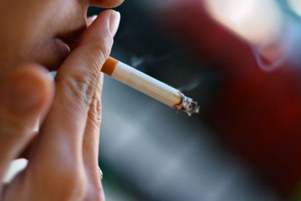 Курение - одна из возможных причин