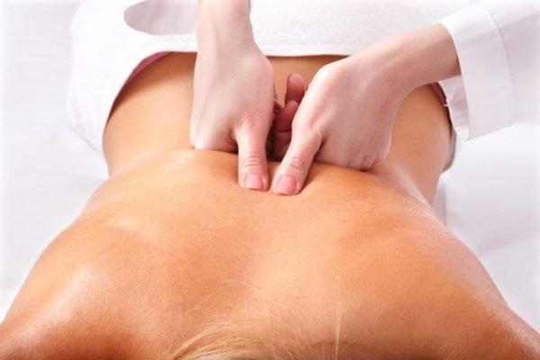 Курс лечебного массажа назначается с учетом степени и вида искривления