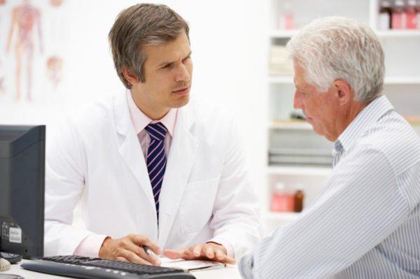 Если есть отек, беспокоит сильная боль, лучше обратиться к врачу