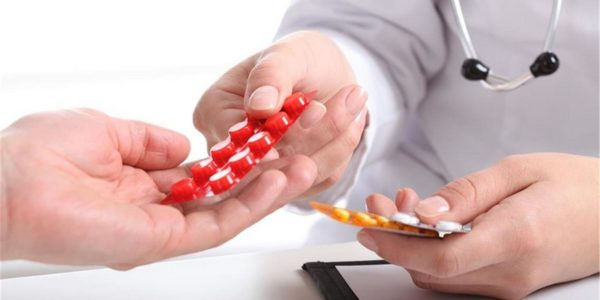 Лечащий врач назначит необходимые лекарства при грыже позвоночника