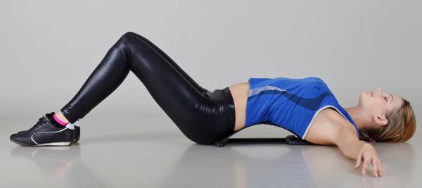 На данном этапы упражнения выполняются в положении лежа