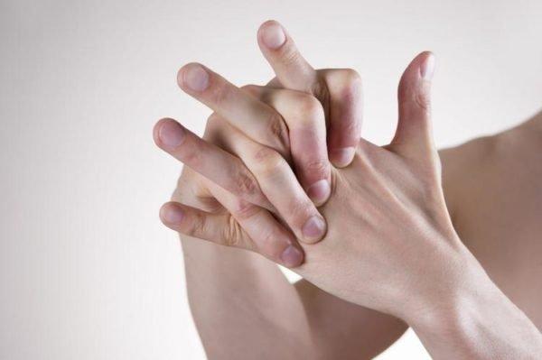 Нарушение чувствительности рук