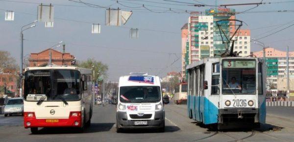 Общественным транспортом пользоваться нельзя