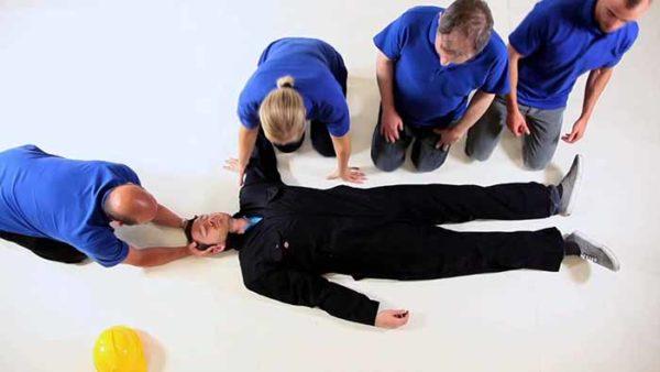 Оказание помощи при травме позвоночника