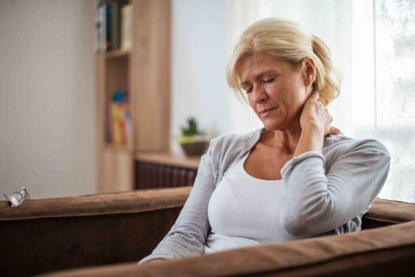 Остеохондроз шейного отдела позвоночника чаще встречается у взрослых и пожилых людей