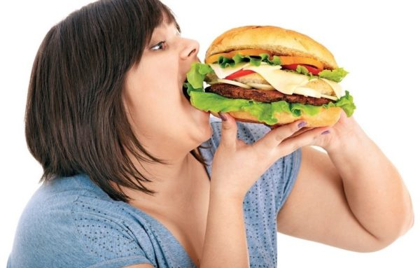 Ожирение совместно с нарушением режима питания способствует развитию лордоза
