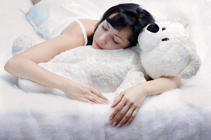 Затекает поясница во время сна