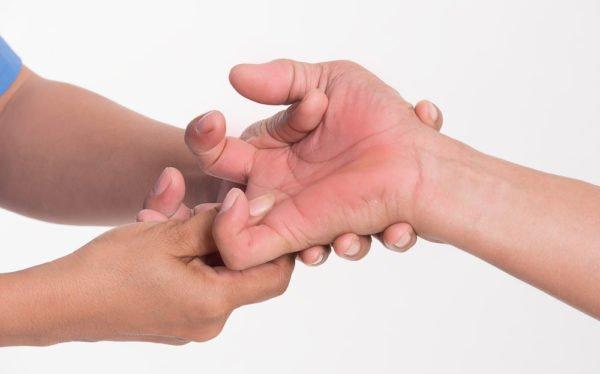 Первые симптомы размыты и малозаметны