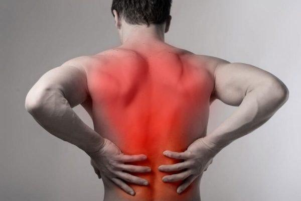 При неправильной нагрузке можно травмировать спину