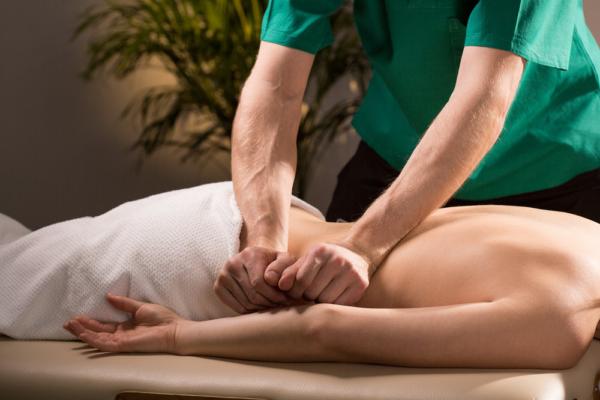 Проведение лечебного массажа