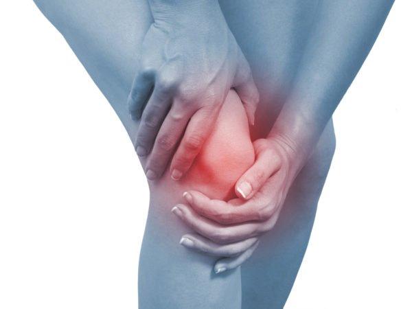 Сгибание ног в коленях становится проблематичным