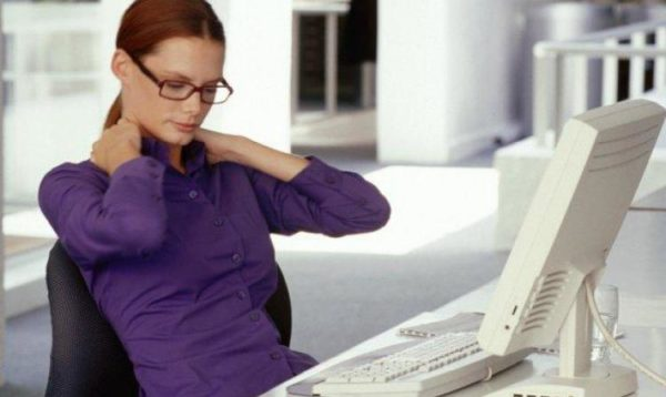 Сидячая работа может привести к остеохондрозу