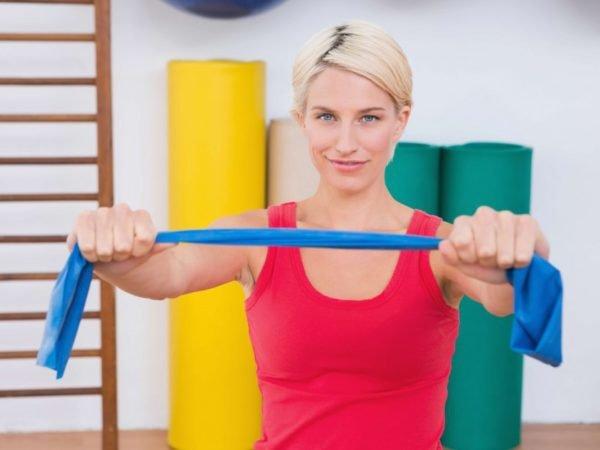 Во время занятий нельзя перенапрягаться, движения не должны вызывать острых болевых ощущений