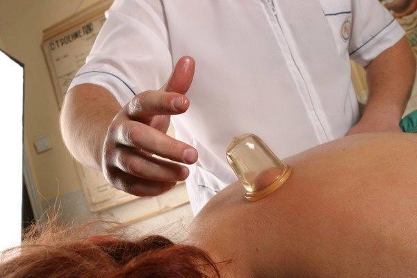 Во второй половине беременности баночный массаж противопоказан