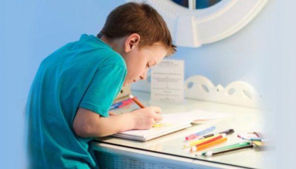 Кифосколиоз чаще всего диагностируется у мальчиков в период усиленного роста костей