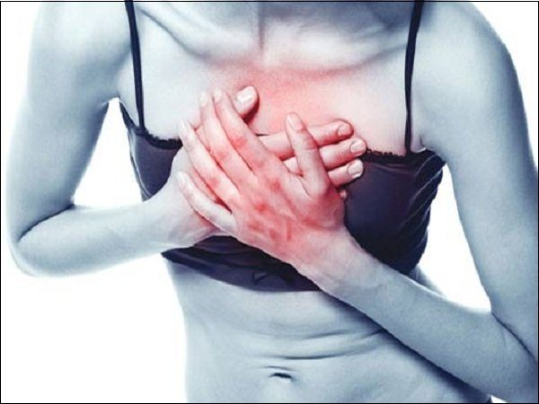 Кифосколиоз негативно воздействует и на дыхательную систему: человек ощущает нехватку воздуха, дискомфорт и боль в легких