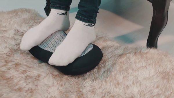 Массажная подушка может использоваться для массажа ног