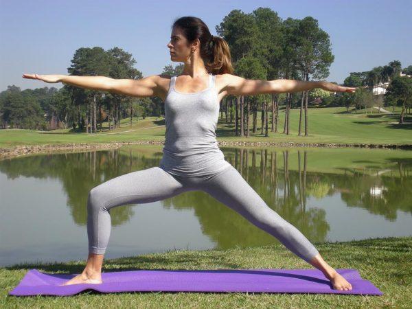 Поза восстанавливает подвижность суставов, укрепляет мышечную систему всего организма, тренирует выносливость и координацию