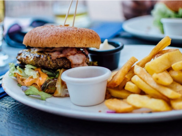 Неправильное питание в сочетании с патологиями позвоночника ускоряет формирование остеофитов